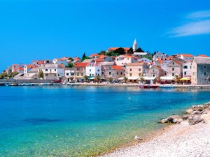 Wallpaper-Croatia-beach-and-blue-clean-water-honeymoon-destination